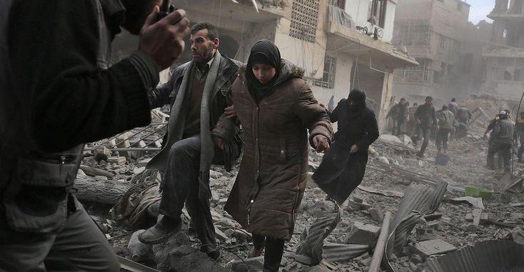"""Putin ordena """"corredor humanitario"""" en ciudad siria de Guta -  MOSCÚ (Reuters) – El presidente ruso, Vladimir Putin, ordenó la implementación de un cese al fuego diario en la ciudad oriental siria de Guta, que comenzará el martes, y la creación de un """"corredor humanitario"""" a través del cual los civiles puedan salir, dijo su ministro de Def... - https://notiespartano.com/2018/02/26/putin-ordena-corredor-humanitario-ciudad-siria-guta/"""