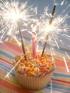 14 melhores imagens sobre fireworks for birthday parties no on birthday cakes fireworks