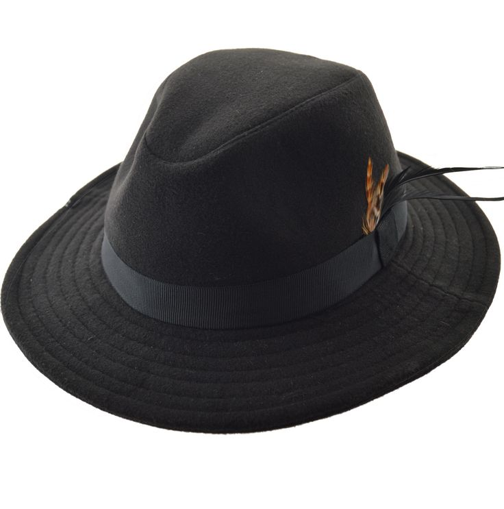 SOMBRERO AUSTRALIANO PAÑO DUBLIN Sombrero Tipo Australiano en paño de lana, Terminado con cinta de gros y pluma importada Ala de 8cm, altura de copa 9 cm $ 590.00