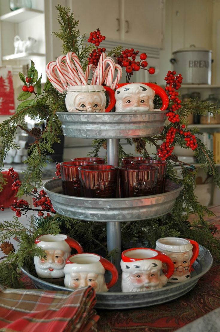 Country christmas table decoration ideas - Christmas Hot Chocolate Station With Santa Mugs