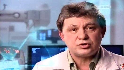 29-летний врач-рентгенолог Тимур Аванесов, жаловался на боль в ногах. Врачи вынесли страшный вердикт - лейкоз. Из-за осложненной формы заболевания его направили в Москву, а затем в Израиль. Как выяснилось позже, причиной лейкоза стало облучение, полученное на работе от рентгенологического оборудования. Каждый день люди в разных странах мира, чтобы получить черно-белый снимок, встают под рентгеновские лучи. При этом мало кто задумывается о реальной опасности их воздействия. Существуют ли…