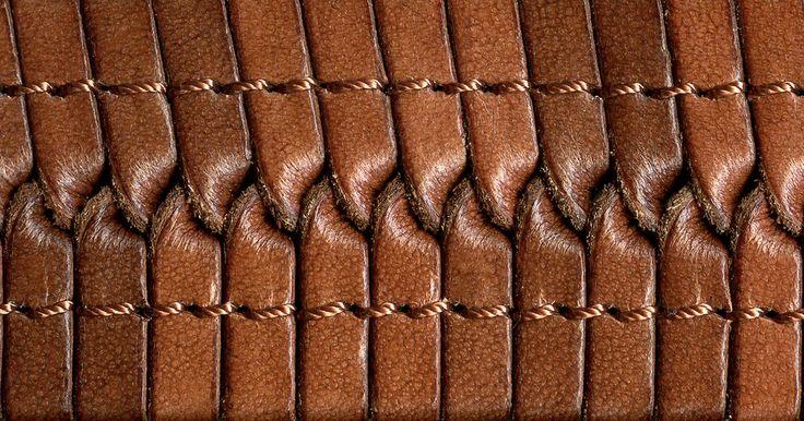 O sucesso de uma costura em couro depende das agulhas, da tensão, do tipo de linha e largura do ponto. A estilista australiana Nicole Mallalieu costuma dizer que o couro é um ...