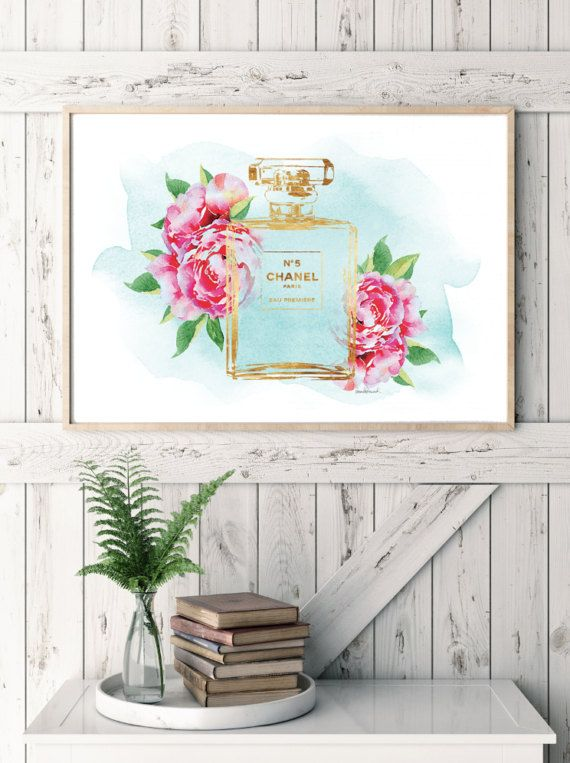 Watercolor perfume poster with foil effect. Above bed or wall decor poster  - Dimensions:24X36 inches (other sizes are available) - Printed on archival, acid-free paper. - Museum-quality posters made on thick, durable, matte paper. - Most art comes with Signature on. - If you like an item in my shop but would like a different colour or style, just send me a message. - Colors depicted on your screen may be slightly different from the actual print, due to screen settings. - Any metallic foil…