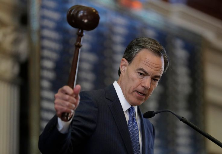 Joe Straus, the speaker of the Texas House, has put himself at odds with many of his fellow Republicans over his resistance to a bathroom bill.