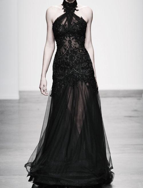 Classy & sexy in black!