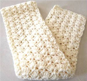 FREE crochet pattern for a Snapdragon Stitch Scarf by Barb's Free Crochet Patterns.