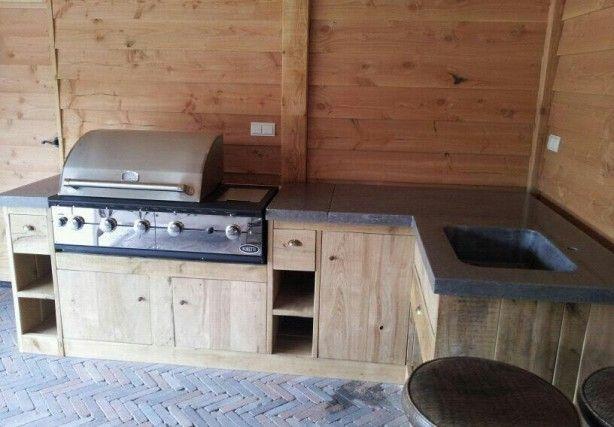 Buitenkeuken met gepolijst beton blad. Made by Brilliance Concrete Polishing