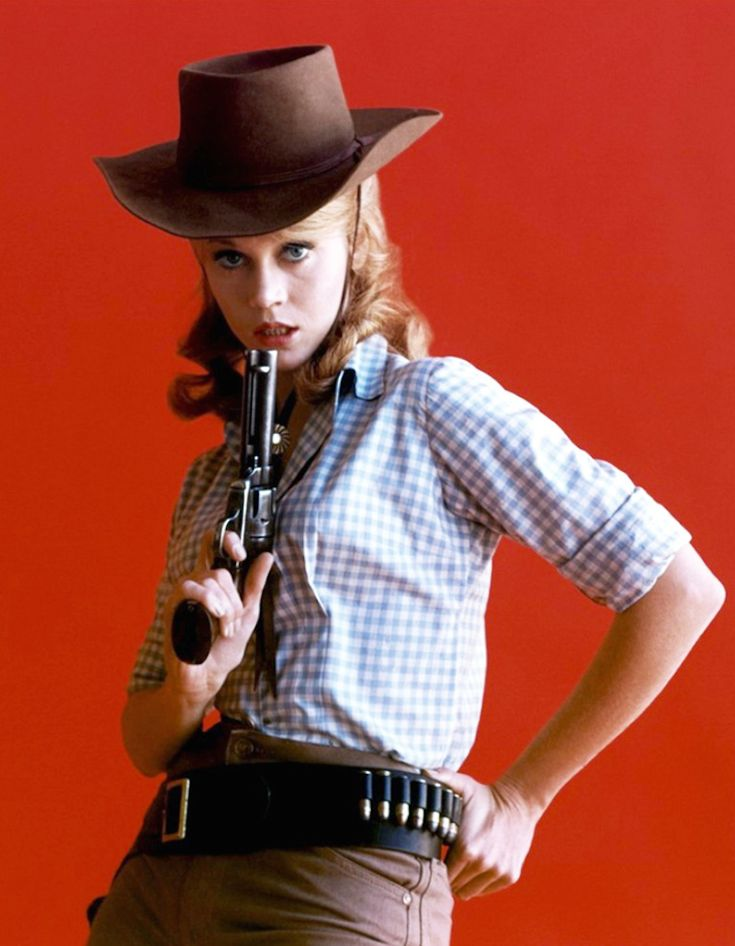 BANDIT BABES OF THE WILD WEST - Jane Fonda as Cat Ballou (1965)