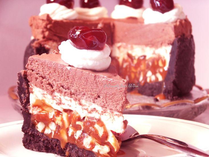 Bunatati de prin lume adunate: Tort cu Oreo, caramel si mousse de ciocolata