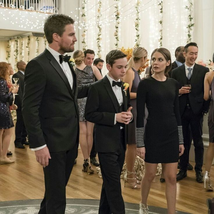 """Oliver and Felicity got married❤❤ and so it's time to celebrate in some new preview images from the December 7 episode ofArrowwhich is called""""Irreconcilable Differences.""""i will be screaming while im watching #arrow #greenarrow #oliverqueenarrow #oliver #oliverqueen #6×09 #officialpics #weeding #felicitysmoak #felicityqueen #emilybettcards #stephenamell #theaqueen #williamqueen #family #greenarrow #overwatch #speedy"""