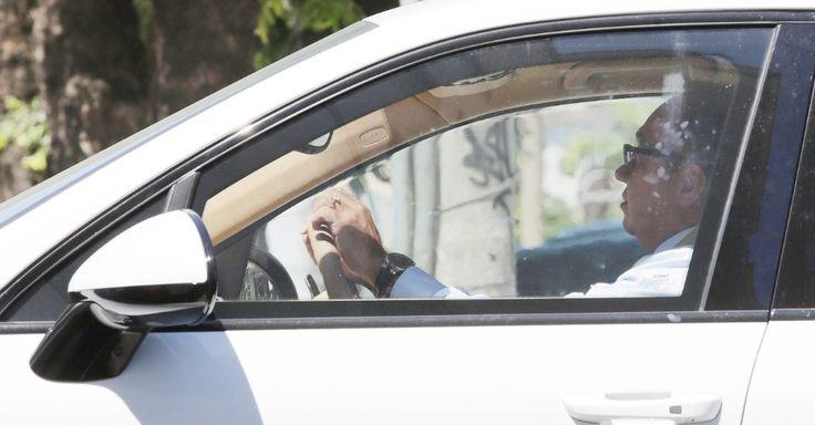 O juiz Flávio Roberto de Souza, que foi flagrado dirigindo um carro apreendido do empresário Eike Batista, em 2015, foi condenado a oito anos e...