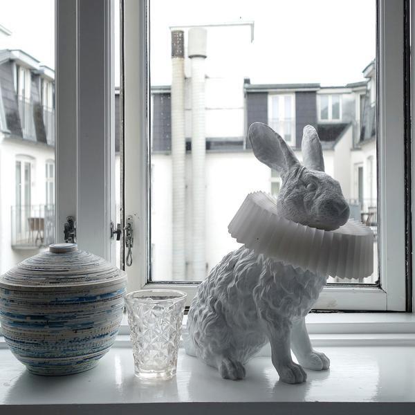Hasenlampe Mit Deko Skulptur Fur Wohnzimmer Schlafzimmer Kinderzimmer In 2020 Bean Bag Chair Concept Tot