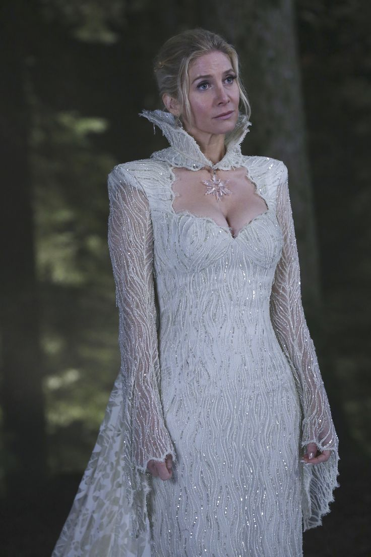 Georgina haig filming once upon a time 06 full size pictures to pin on - Ingrid Snow Queen Elizabeth Mitchell In Once Upon A Time Season 4 Tv Series