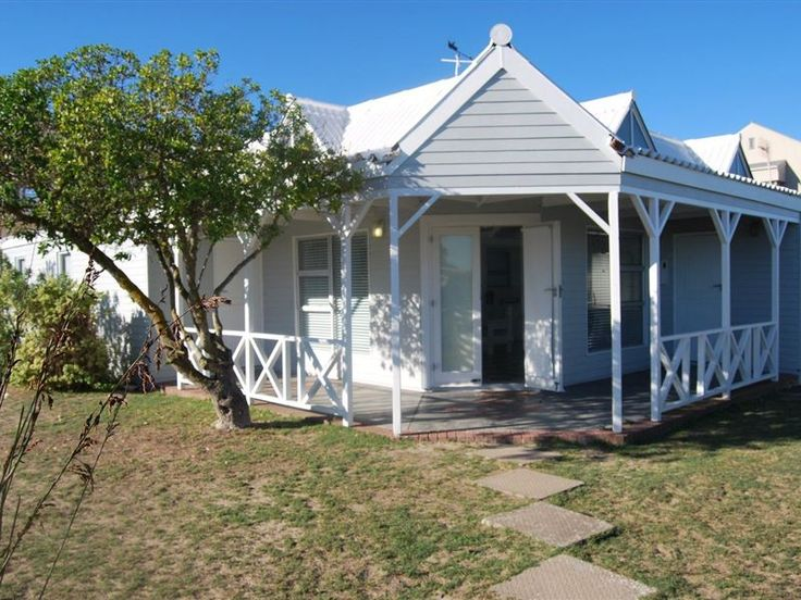Knot 4 Sail - Knot 4 Sail is a wooden house located in Langebaan; a sea side town along the west coast of the Western Cape. This house is only 50 meters from the lagoon and within walking distance to the Langebaan town ... #weekendgetaways #langebaan #westcoast #southafrica