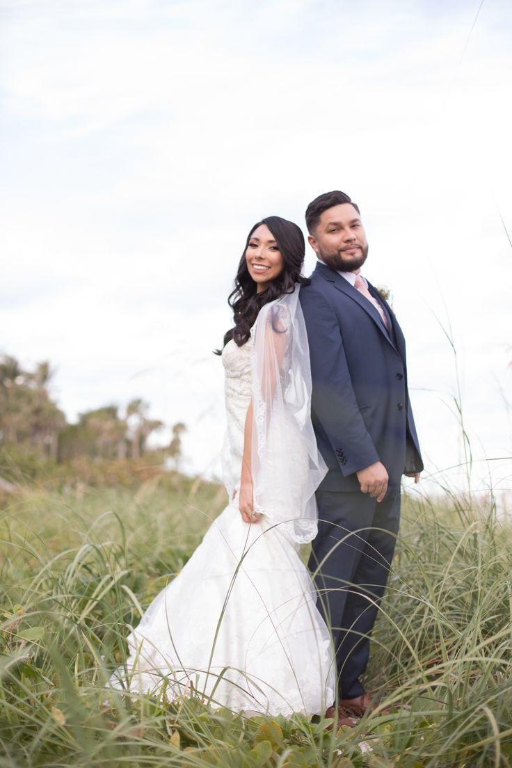 The Palms Hotel // Heather Funk Photography // Miami Beach // beach wedding // bridal gown // romantic wedding // wedding couple // wedding veil