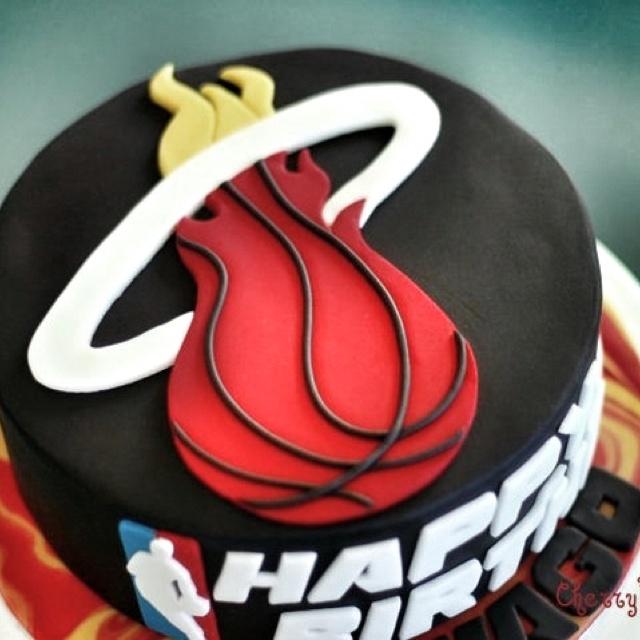 Customized Miami Heat Birthday Cake