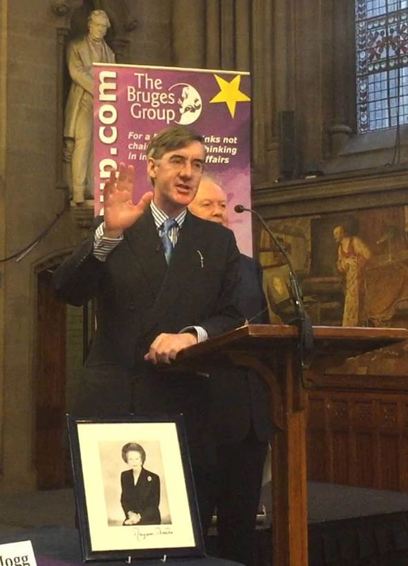 'I want the BEST Brexit' Jacob Rees Mogg cheered during EU exit rally at Tory conference - https://buzznews.co.uk/i-want-the-best-brexit-jacob-rees-mogg-cheered-during-eu-exit-rally-at-tory-conference -