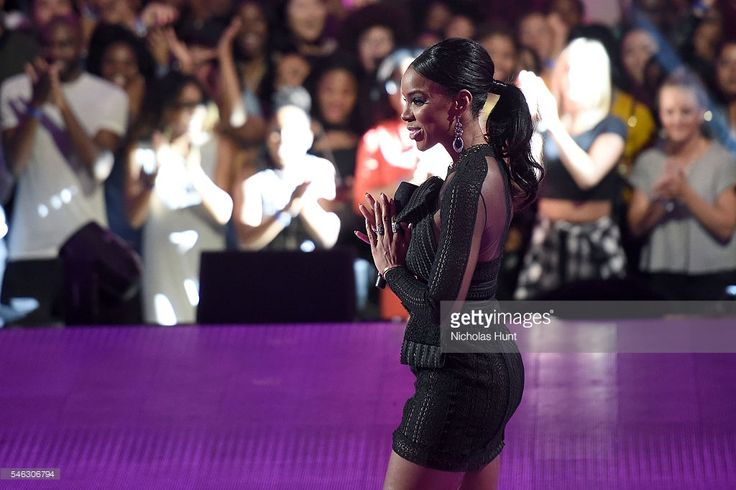 Kelly Rowland performs onstage during the VH1 Hip Hop Honors: All Hail The Queens at David Geffen Hall on July 11, 2016 in New York City.