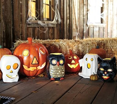 Vintage-look decorations for Halloween. I'm digging the owl.