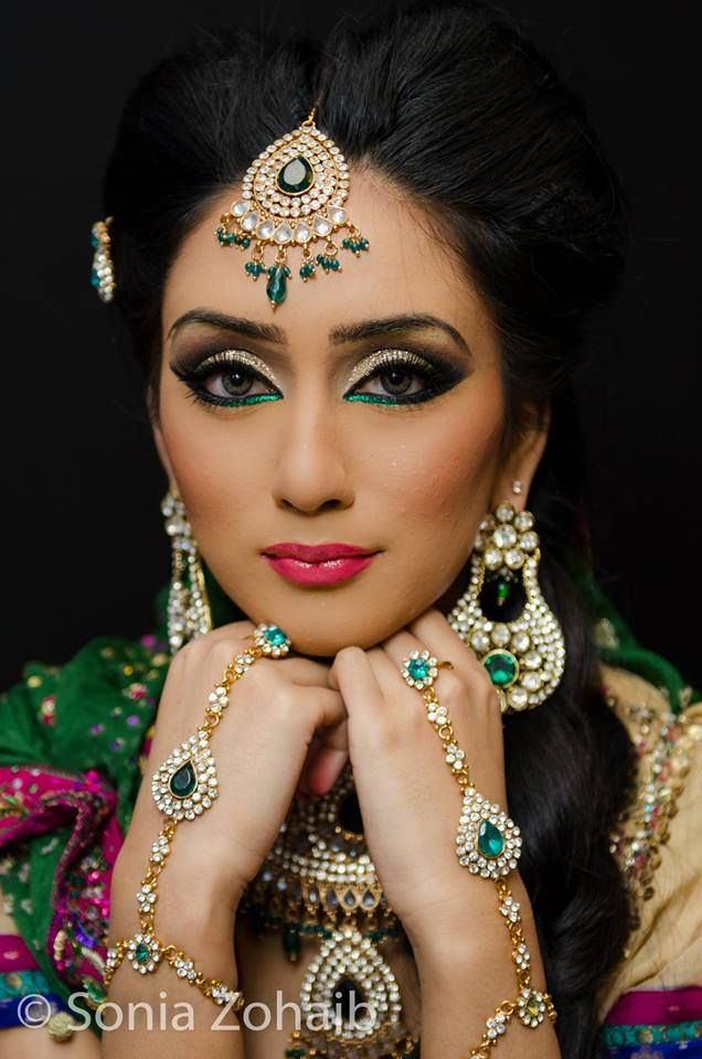 Gorgeous colorful bridal makeup