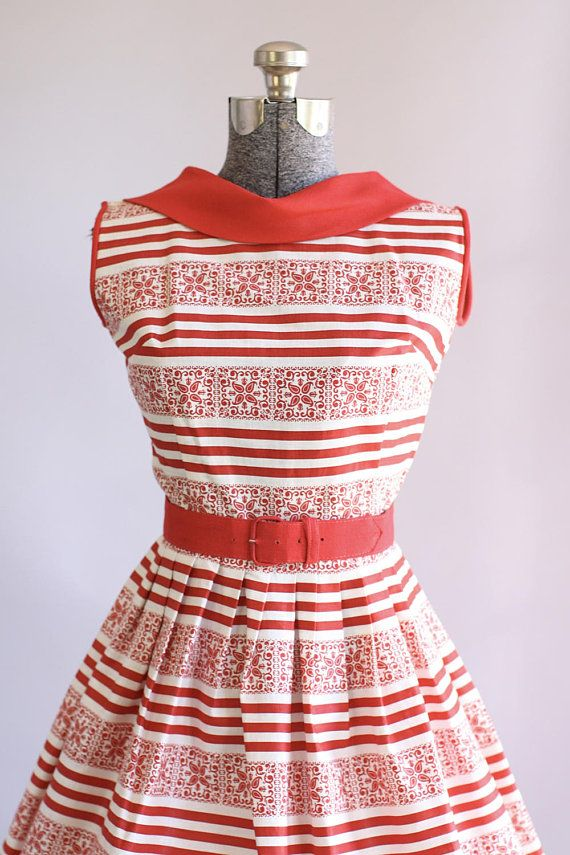 Vintage 1950s Dress / 50s Cotton Dress / Red and White Striped Dress w/ Reversed Collar XS/S