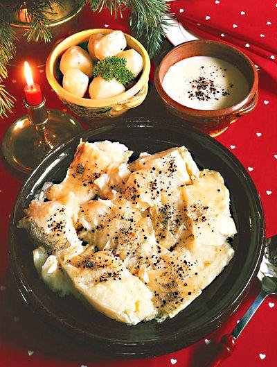 Lutfisk med tillbehör Traditional Finish Christmas Recipe: http://www.dlc.fi/~marianna/gourmet/xmas22.htm