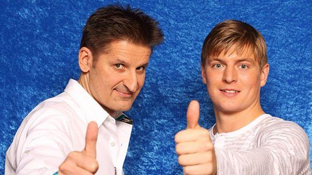 "Dicke Freunde: Nationalspieler Toni Kroos (re.) und ""PUR""-Frontmann Hartmut Engler."