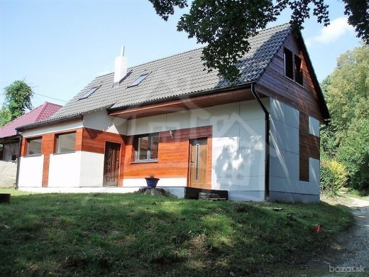 Zrekonštruovaná chalupa na polosamote Moravské Lieskove na predaj-rezervované.