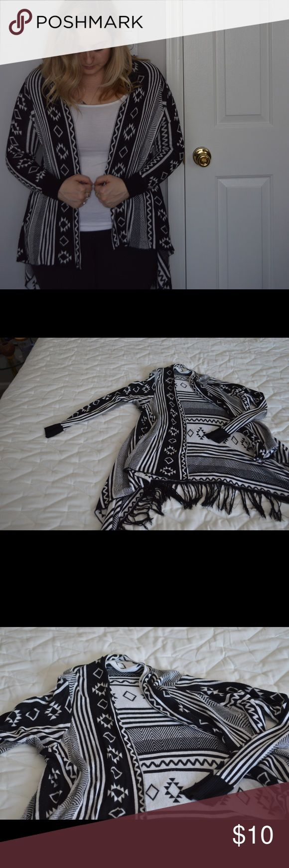 Black and White Tribal Print Sweater with Fringe Black and White Tribal Print Sweater Forever 21 Sweaters Shrugs & Ponchos