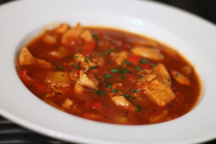 Low carb Hähnchengulasch-Suppe, ein schönes Rezept aus der Kategorie Gemüse. Bewertungen: 16. Durchschnitt: Ø 3,9.