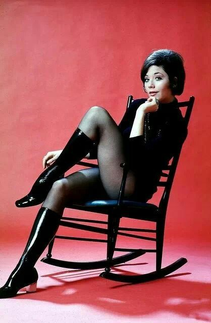Linda Thorson (born: June 18, 1947, Toronto, Canada) is a Canadian actress. She is best known for playing Tara King in The Avengers (1968–1969).