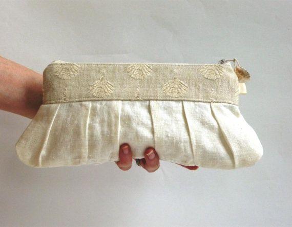 Beach wedding clutch linen cream ivory pearl white by maplemist #beachwedding #bridesmaidgifts #summerwedding #casualwedding