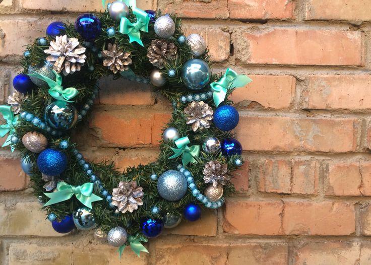 Синий рождественский венок. Бирюзовый новогодний венок