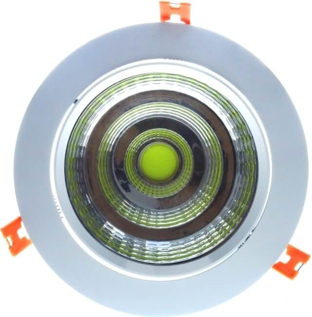 Cel mai puternic dintre spoturile orientabile SPOT COB LED 30W ROTUND REGLABIL se poate monta cu usurinta in orice tavan fals sau de rigips cu ajutorul celor 3 arcuri incluse in pachet. Dimensiuni: diametru de 160mm si adancimea de 120mm.