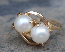 Vintage Pearl Ring 10k Crossover ladies yellow gold Uncas June birthstone two stone
