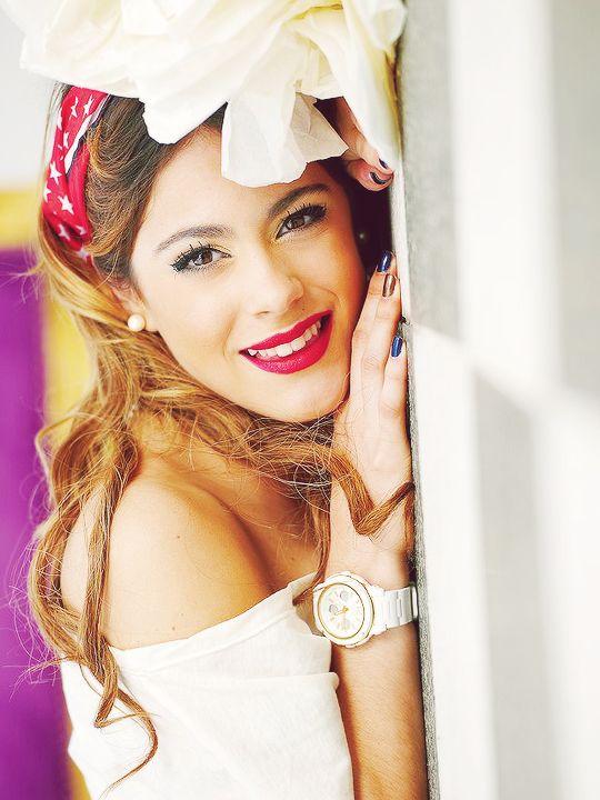 En 2011, Martina Stoessel obtiene el papel principal en la serie de Disney Channel Violetta, donde interpreta a Violetta Castillo.
