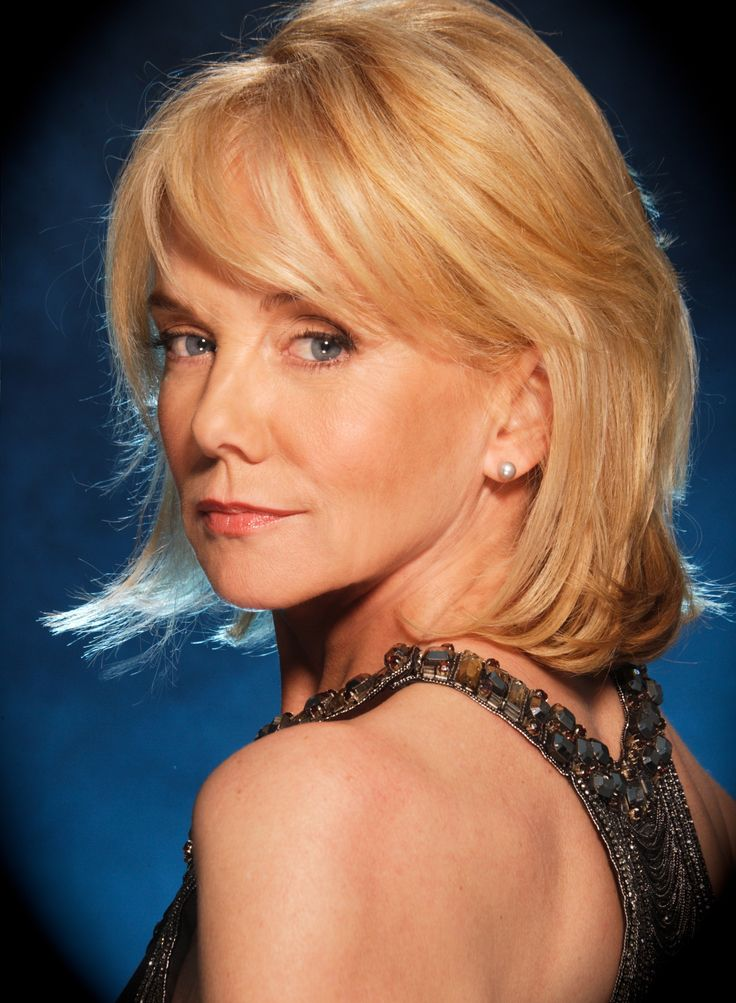 mc-interviewing-linda-purl-of-happy-days-and-matlock-coming-to-new-hopes-rrazz-room-tv-loves-her-acting-20150312 (1502×2048)