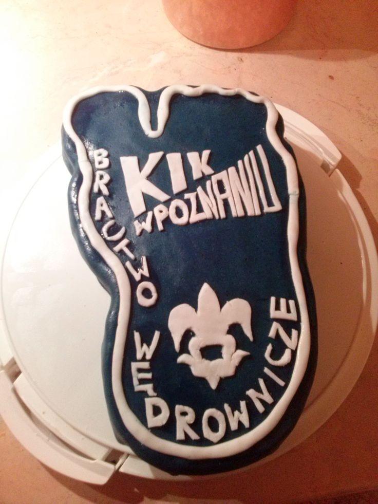 Tort na rocznicę powstania Bractwa Wędrowniczego (w kształcie logo). Link do pierwowzoru: http://photos.nasza-klasa.pl/2324630/2/other/265x200/f144477789.jpeg