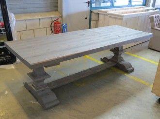 Massief houten eetkamer tafel - Auto-onderdelen en woninginrichting te Amersfoort - BVA Auctions - online veilingen