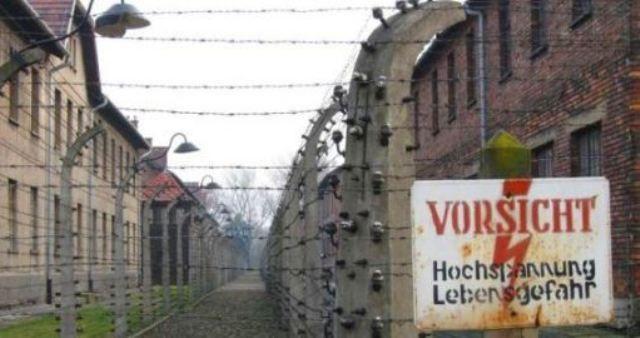 Kamp Konsentrasi Auschwitz - Bangunan Paling Angker di Dunia