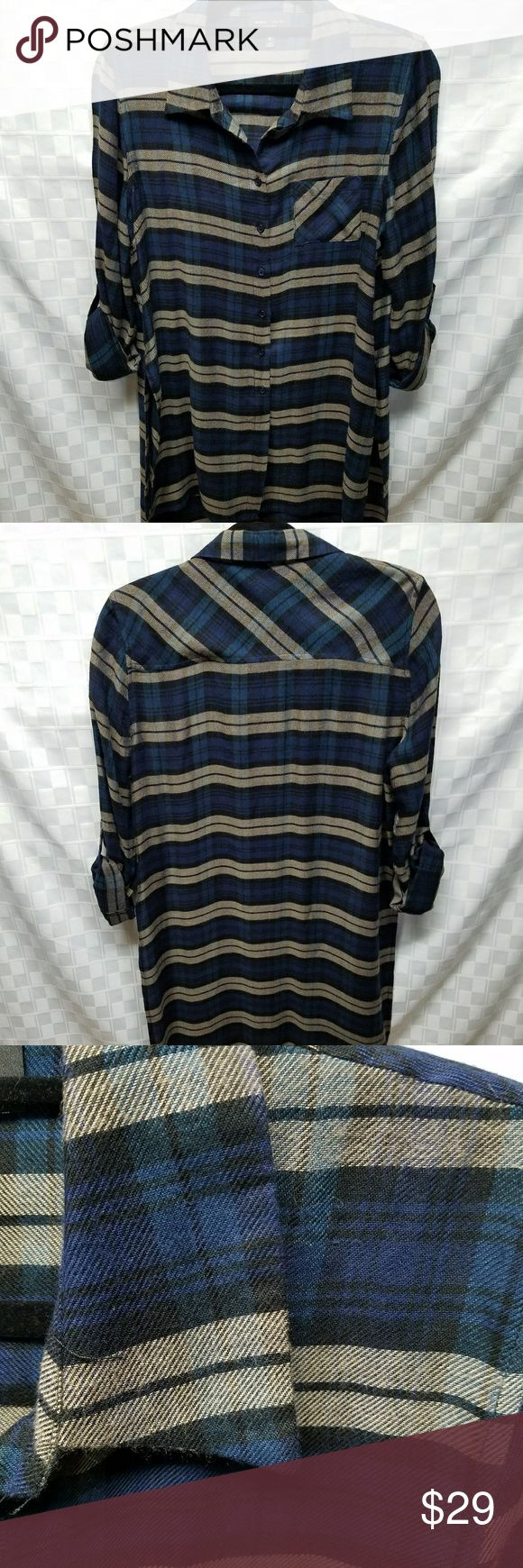 """Romeo and Juliet Long Flannel Tunic Size Medium.  Lightweight,  like new.  20"""" armpit to armpit,  37"""" long. Romeo & Juliet Couture Tops Tunics"""