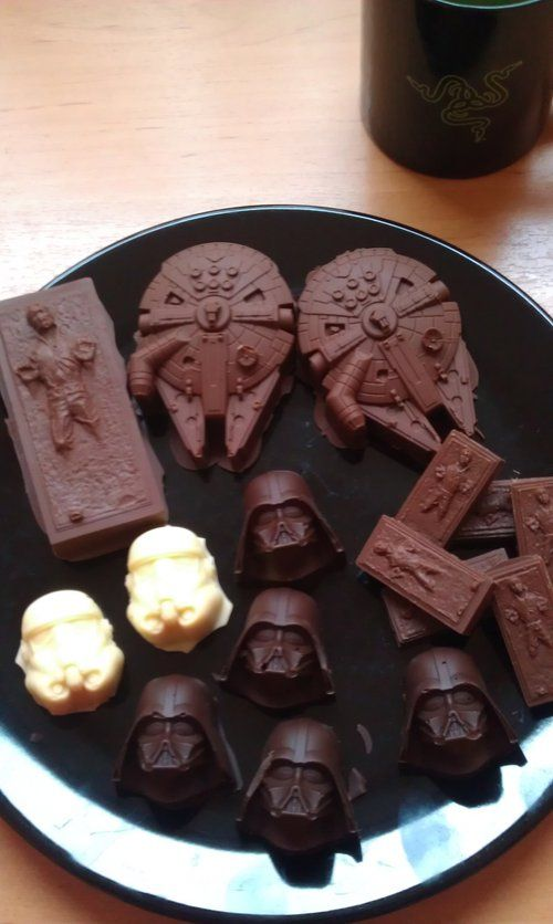 Star Wars chocolate! My hubby would love these!