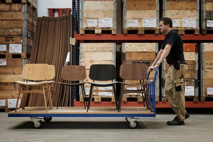 Børge Mogensen's Søborg chairs on their final journey through our warehouse before being shipped to design store all over the world. #amodernoriginal #designcraft #danishdesign #danskdesign #borgemogensen #børgemogensen #søborgchair #søborgstol #soborgchair #stol #chair #craftsmanship #behindthescenes
