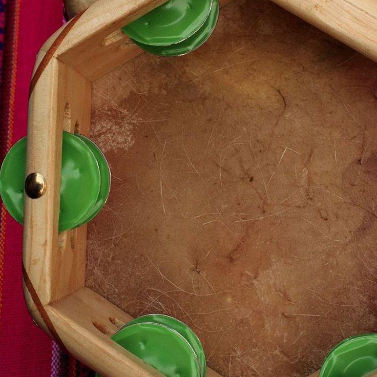 Panderos para la cueca. Tienda Tierra mía. #cueca #panderos #folklore #centroartesanalsantalucia