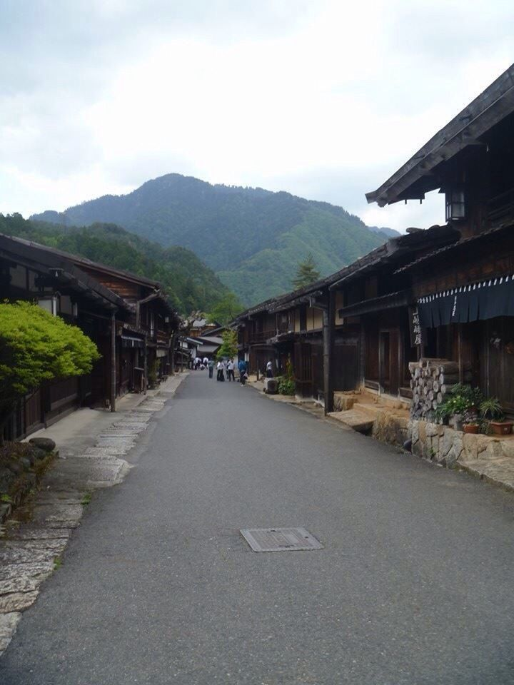 Always looking for new things to do on my days off, I decided to head to Nakasendo to walk part of the famous road which was built more than 400 years ago to connect Kyoto and Tokyo -   Magome to Tsumago.