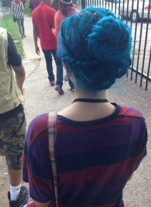 """Вы можете добиться синего цвета волос (blue hair) при помощи краски """"ATLANTIC BLUE"""" http://punkycolour.com.ua/magazin/atlantic-blue-kraska-dlya-volos-punky-color-opisanie"""