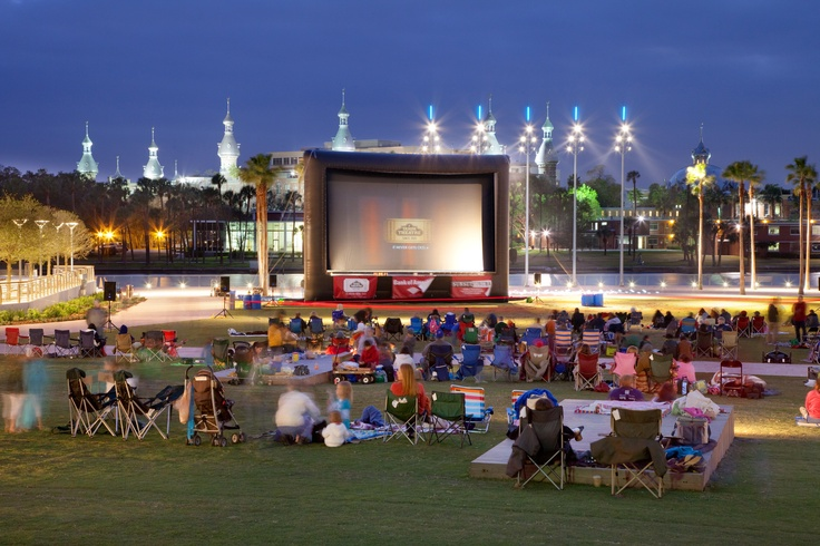So want to do this! Curtis Hixon Park movie night