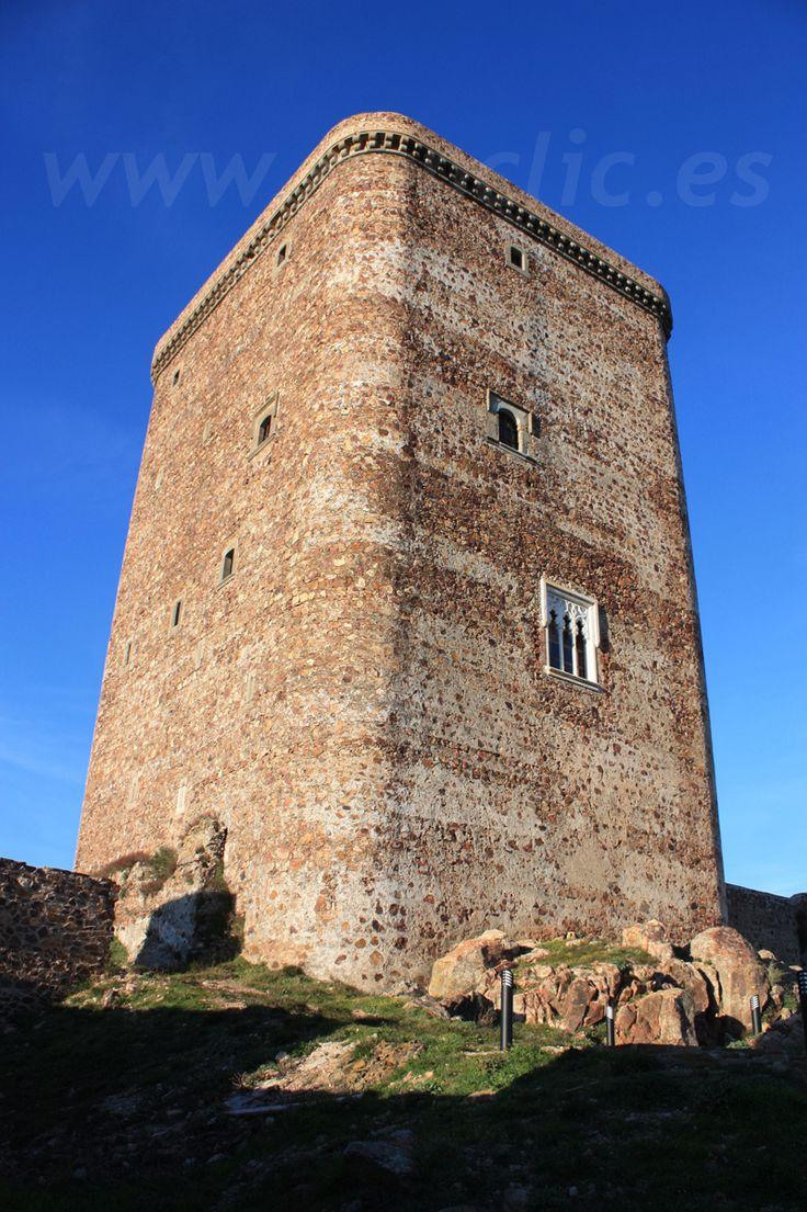 Torre del homenaje del Castillo de Feria, Comarca de Zafra Río Bodión, Badajoz. Extremadura, Spain.