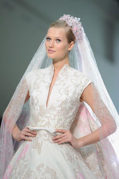 Elie Saab per l'abito da sposa di Drew Barrymore – The Dress