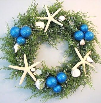 Juniper Christmas wreath with white finger starfish